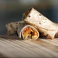 närbild av burrito foto