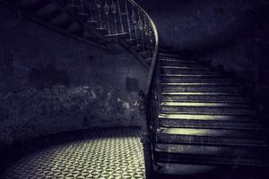 gamla trappor retro stil foto