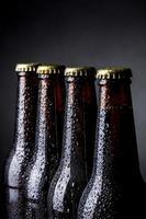 flaskor öl foto