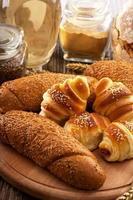 färska bageriprodukter foto