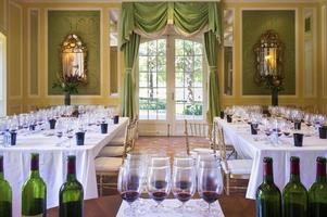 vinprovning rum foto
