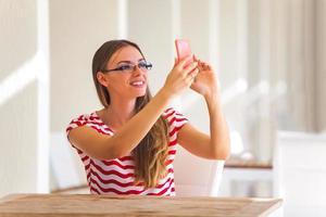 kvinna selfie foto