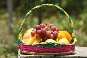 färgglada och smakfulla frukter foto