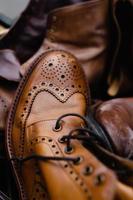 bruna läderskor foto