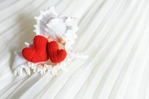 valentine hjärtan på abstrakt bakgrund foto