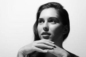 svartvitt porträtt foto