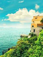 hav och himmel. Medelhavet landskap, franska rivieran. foto