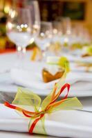 bröllop bord inställning