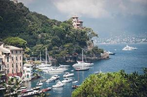havet villor nära Portofino i Italien foto
