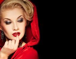 attraktiv blond dam foto