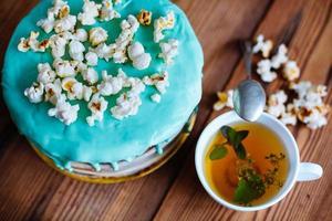 tårta med popcorn foto