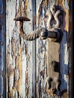 gammal dörrhandtag foto