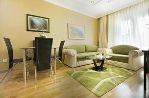 elegant vardagsrum inredning foto