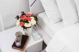 sängbord dekor foto