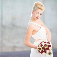 underbar brud på hennes bröllopsdag foto
