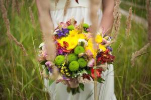 vacker brud på bröllopsdagen foto