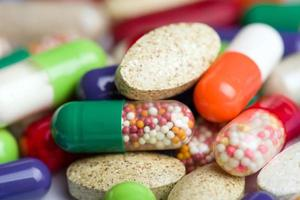 piller isolerad på vit bakgrund foto