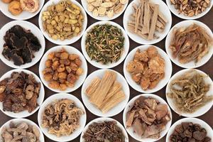 kinesiska örter foto