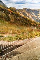 bergen i krasnaya polyana på hösten foto