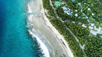 flygfoto över strandlinjen foto