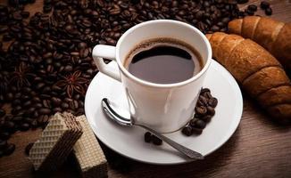 kaffe stilleben med kopp kaffe foto