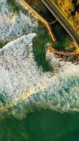 Flygfoto över vågor foto