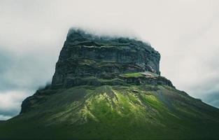 vulkaniskt berg i Island foto