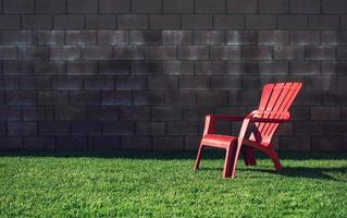 röd plastfåtölj foto