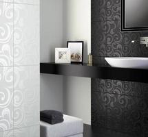 svartvitt badrum foto