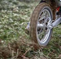 motorcykelhjul snurrar foto