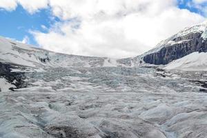 athabasca-glaciären i de kanadensiska klipporna foto