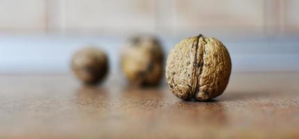 närbild av nötter foto
