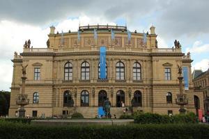tjeckisk filharmonisk orkesterbyggnad foto