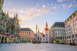 gammalt rådhus på marienplatz torget i München foto
