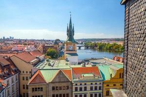 Prag stadshorisont från toppen foto