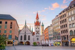 gammalt rådhus på marienplatz torget i München