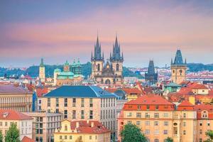 gammalt torg i Prag Tjeckien foto