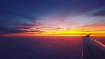 solnedgång från flygplan foto