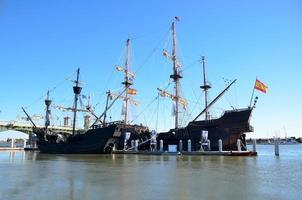 historiska galjonfartyg foto