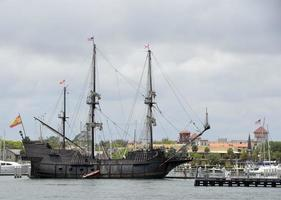 gammalt galjonfartyg foto