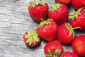 färska jordgubbar foto