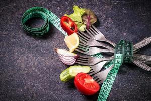 grönsaker på gaffel foto