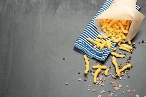 majsostpuffar med himalayan ros salt och peppar foto