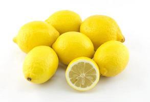 färsk citron vit bakgrund foto