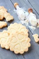 hemlagade glutenfria kakor med mörbakelse foto