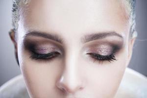 professionell skönhet ögon smink foto