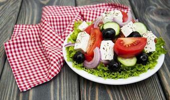 färsk grekisk sallad foto