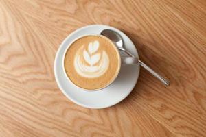 kopp kaffe med skum foto