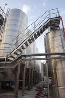 vinfabriker av aluminiumfat foto