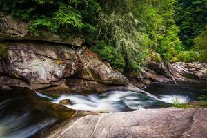 kaskader på floden Cullasaja i Nantahala National Forest, nr foto